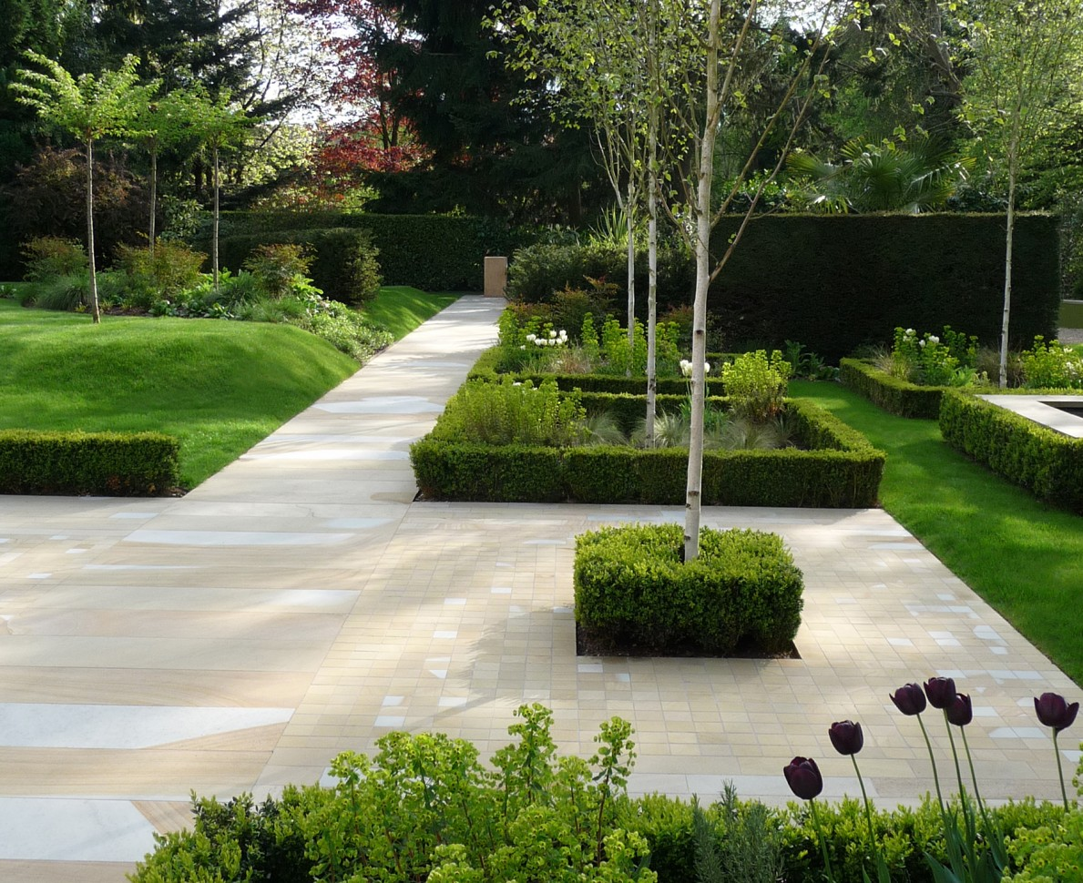 New York stone pathways in the Modern Parterre garden