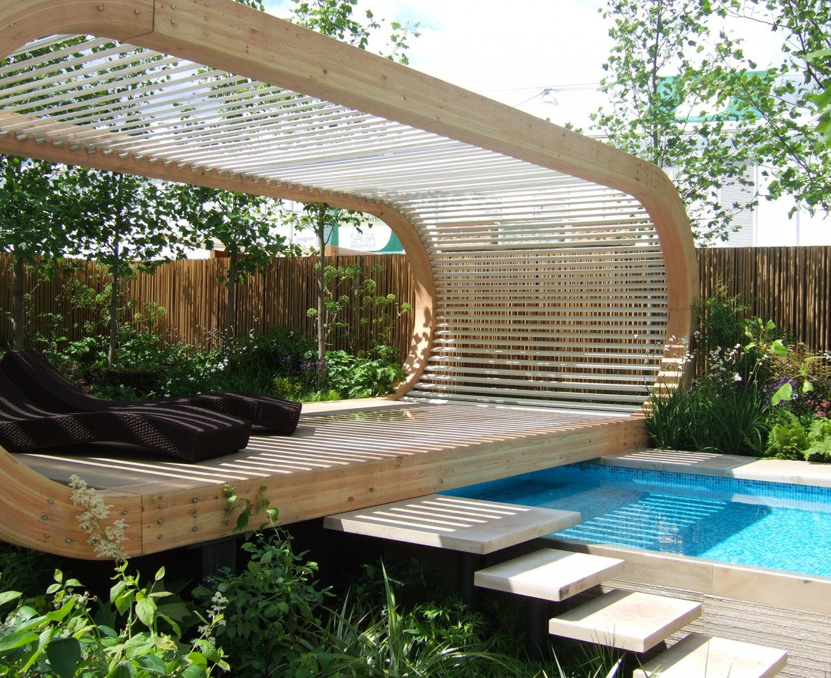 RHS Chelsea Flower Show 2006 swimming pool and deck with sunloungers
