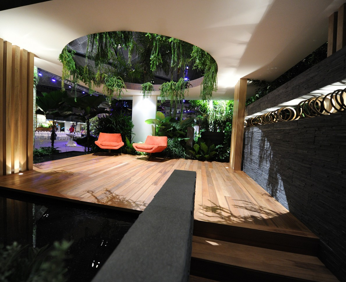 Semi-open shelter with orange seating - Singapore Garden Festival 2012