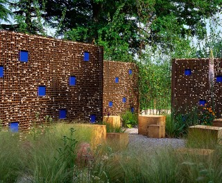 'Situation' Garden sculptural walls made of metal, stone and blue squares