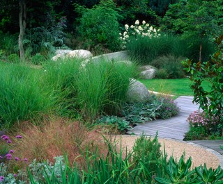 2004 British Association of Landscape Industries Award winner for a domestic garden