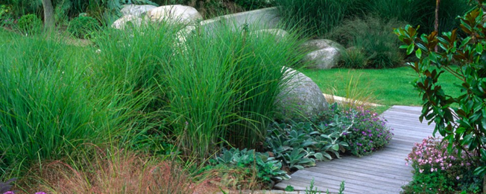 2004 British Association of Landscape Industries Award winner for a domestic garden