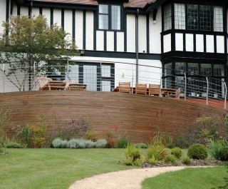 2007 British Association of Landscape Industries Award - modern terrace