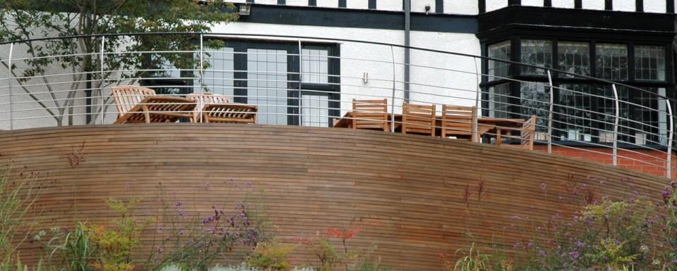 2007 British Association of Landscape Industries Award - modern terrace