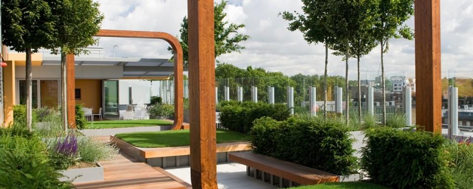 2009 British Association of Landscape Industries Awards Design Excellence award - Great Ormond Street Hospital
