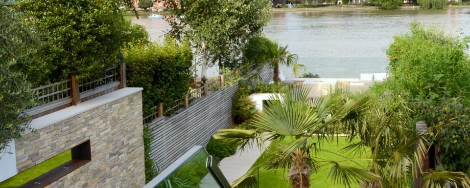 2013 British Association of Landscape Industries Awards - domestic garden looking out to the river