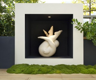 Stunning square sculpture plinth with striking sculpture