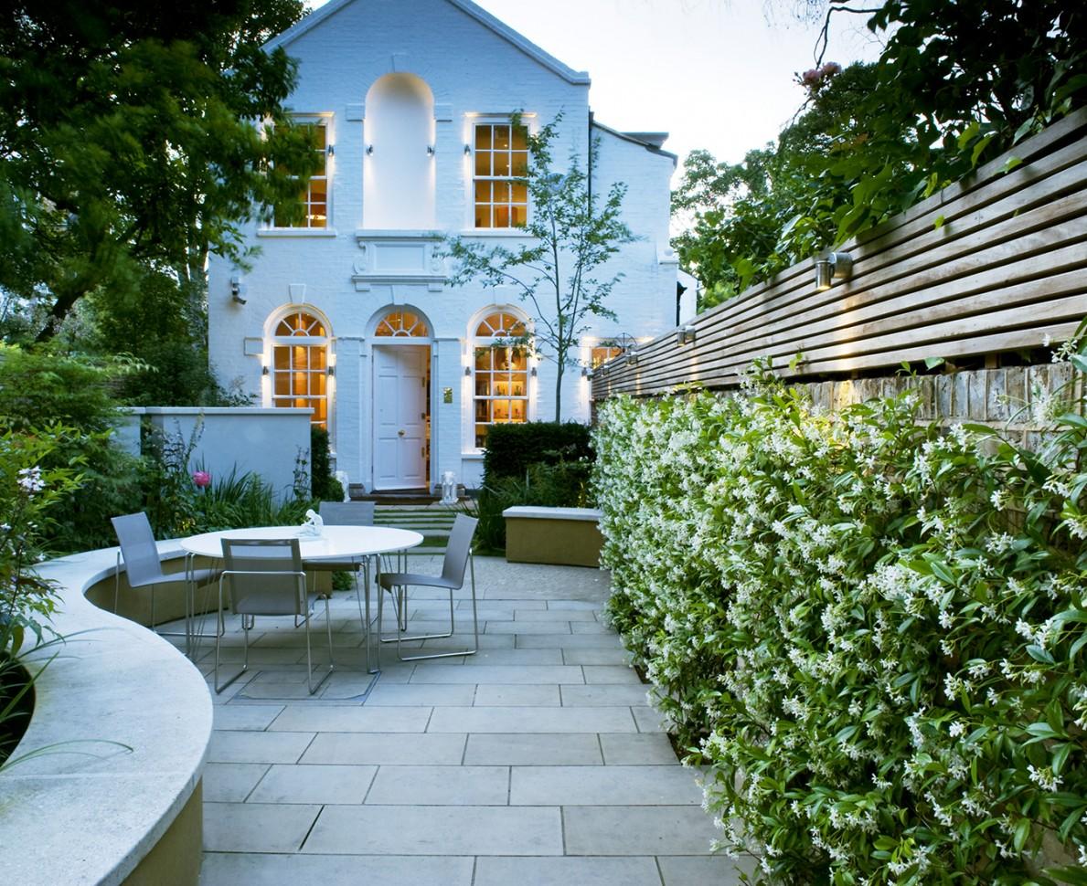 Small Garden Design In Chelsea Garden Designers Chelsea