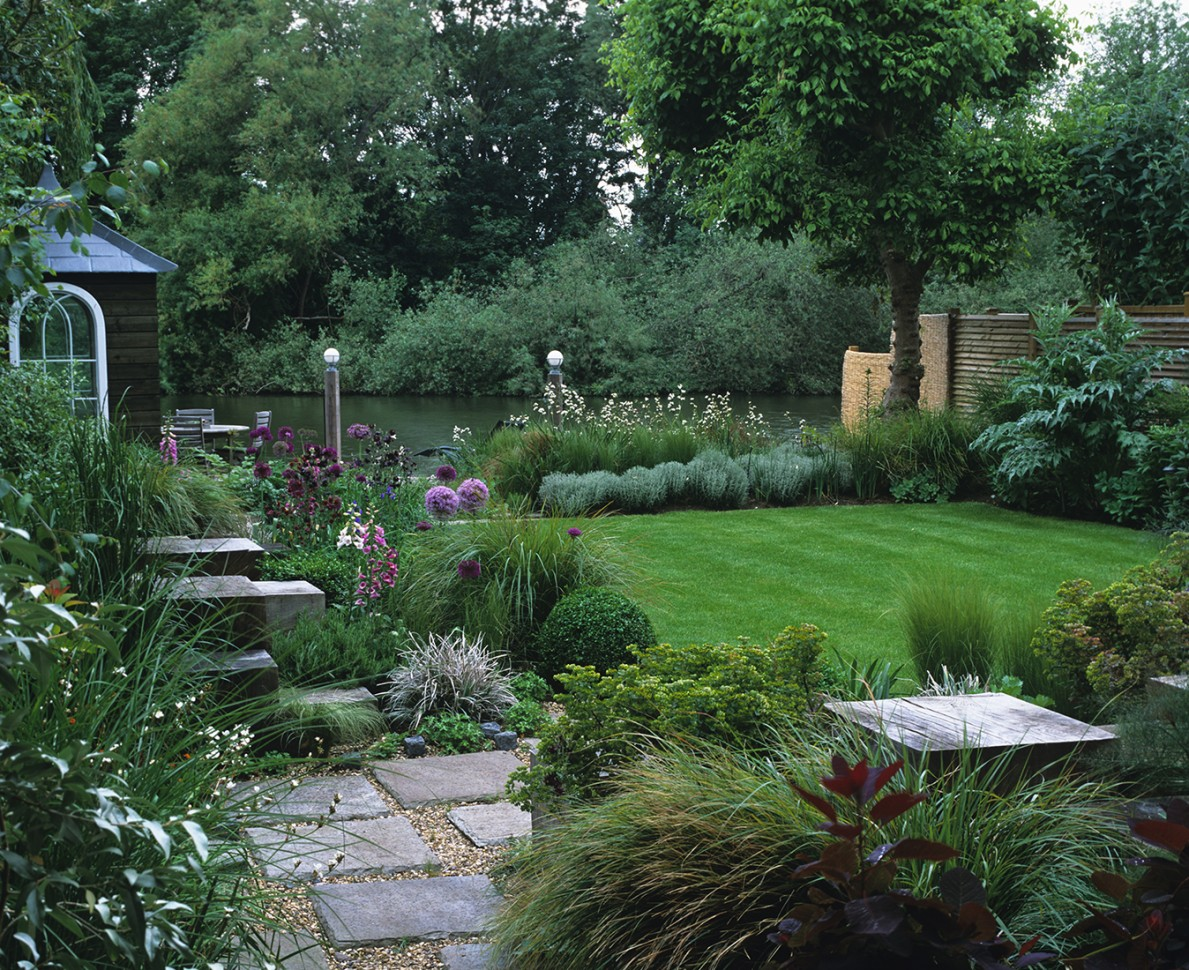 English country garden design andy sturgeon for Garden design ideas for medium gardens