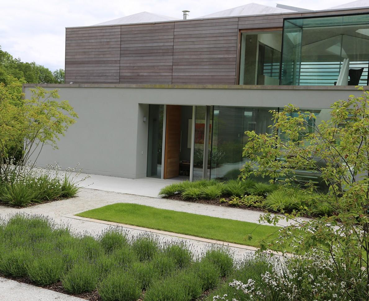 Garden design surrey sussex house case study andy sturgeon for Garden house design west sussex