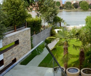 The_Riverside_Garden_1