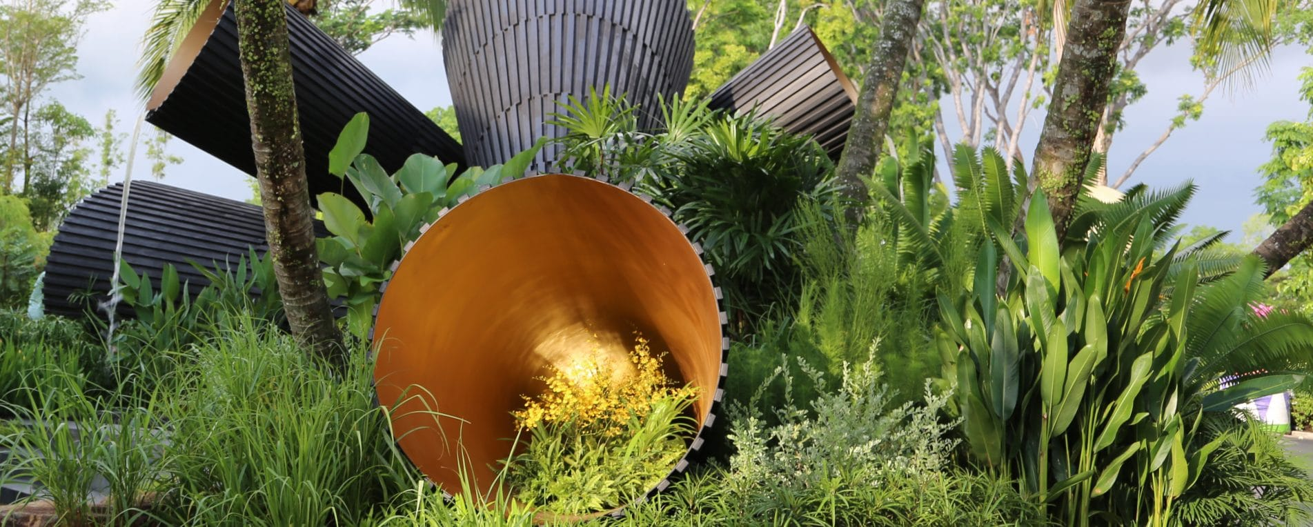 Andy sturgeon scoops two gold awards at singapore garden for Garden design fest 2014