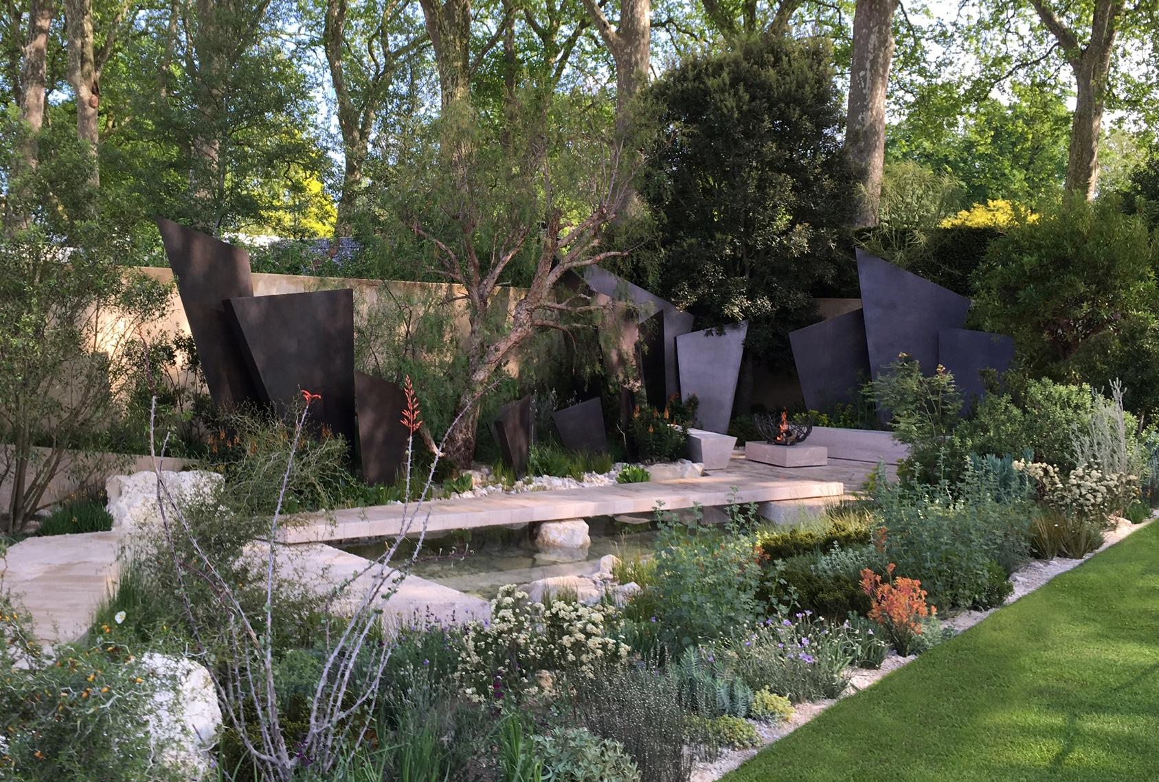 Chelsea 2016 the build andy sturgeon design for Chelsea garden designs